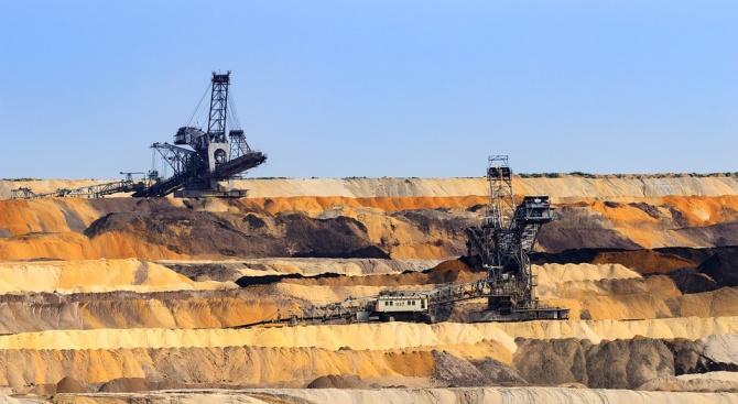 Двама миньори са загинали след изтичане на метан в рудник