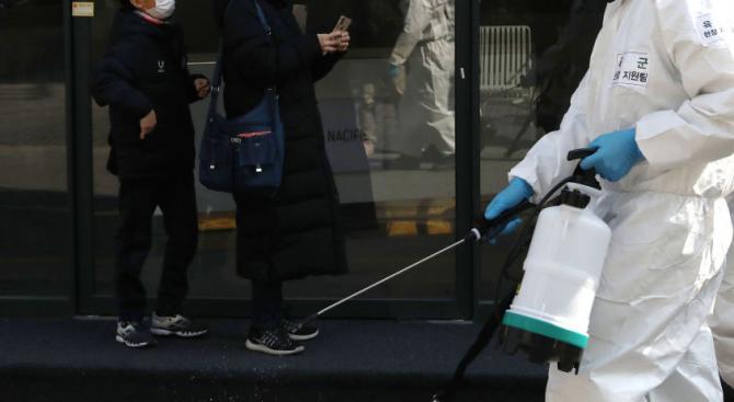 Заради коронавируса - в София започва дезинфекция на градския транспорт и метростанциите