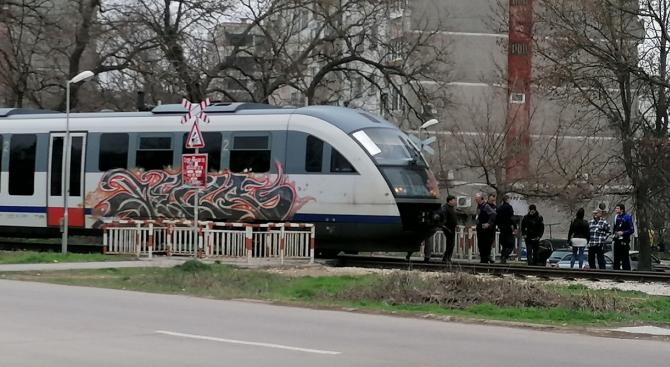 Влак блъсна мъж в Русе