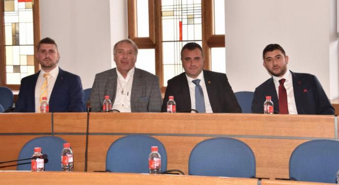 Общинските съветници от ВМРО:  Центровете за мигранти в столицата да се затворят!