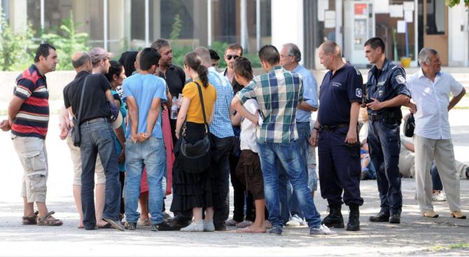 ВМРО: Бежанските центрове у нас трябва да бъдат затворени във всички градове