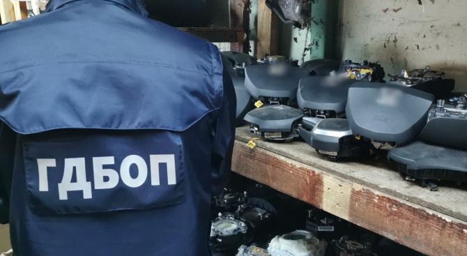 Разкрита е незаконна интернет търговия на опасни въздушни възглавници за моторни превозни средства