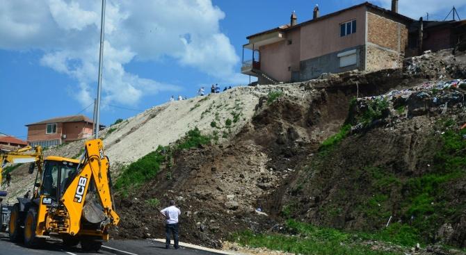 Завърши укрепването на свлачището на пътя в района на с. Веслец