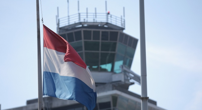 Здравният министър на Нидерландия Бруно Брьойнс е припаднал по време