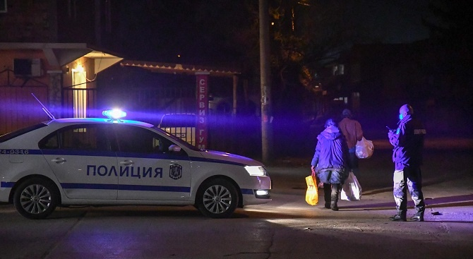 Два случая на нарушена карантина в Разградско