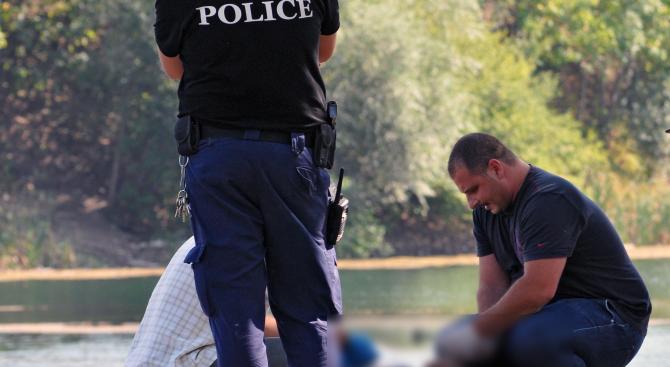 Труп изплува от напоителен канал в Сливенско
