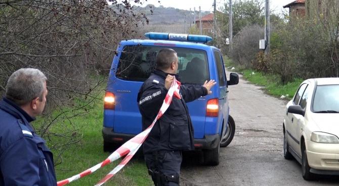 Тази сутрин служители на РУ–Кюстендил са задържали 50-годишен мъж за