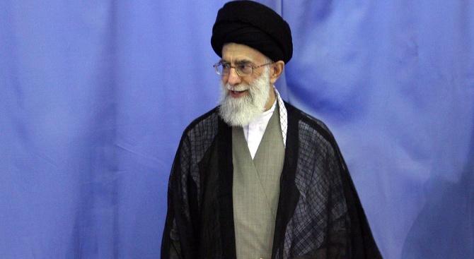 Иранският лидер Али Хаменей с конспиративна теория:  Вирусът е разработен от Америка