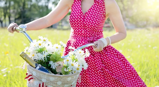 Британка сподели какво е да носиш една и съща рокля 20 години