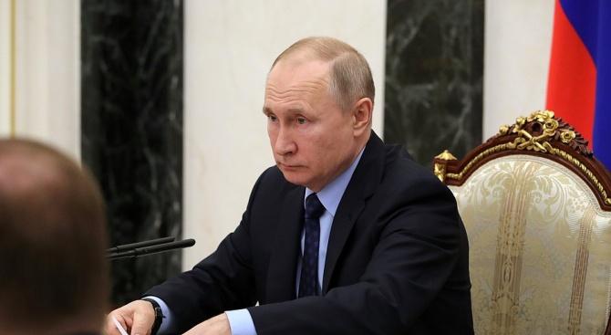 Путин нареди военни учения заради коронавируса