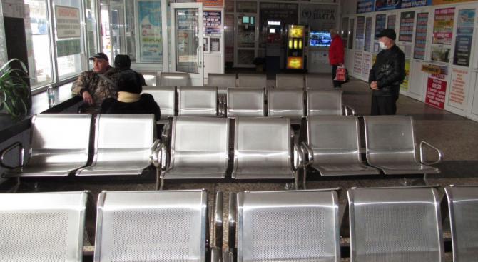 Автогара Русе пред затваряне, драстично са съкратени курсовете на автобуси