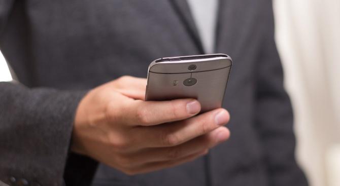Китайските производители на смартфони спряха производството в Индия заради коронавируса