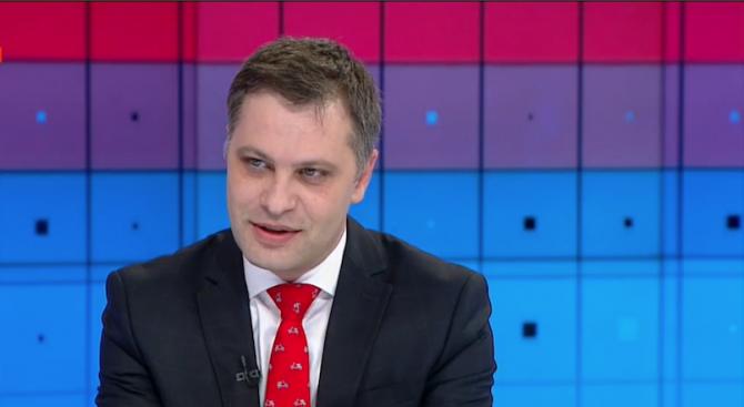 Александър Сиди: Дойде времето на закона срещу фалшивите новини