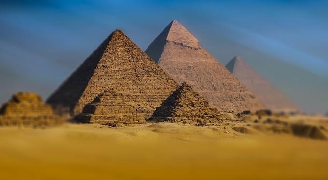 Дезинфектират пирамидите в Египет