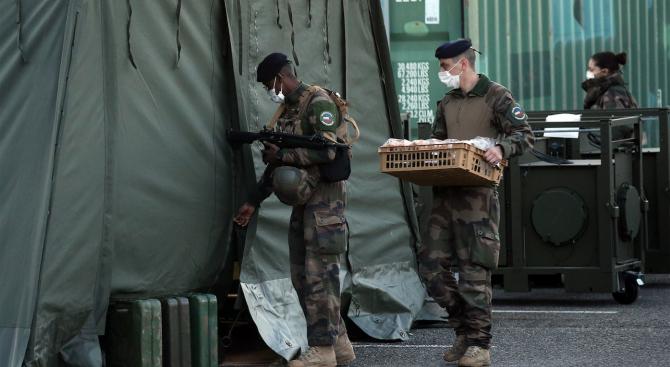 Заради епидемията от новия коронавирус Франция ще изтегли до второ