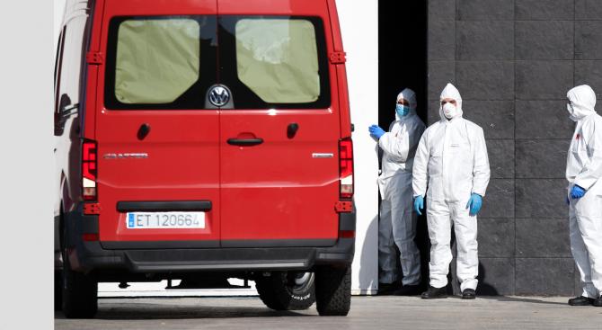Испания удължи с две седмици извънредното си положение заради коронавируса