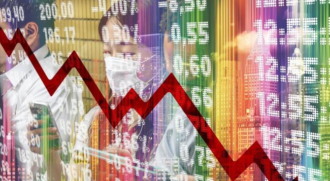 Икономическата активност във Франция се е свила с 35% заради карантината