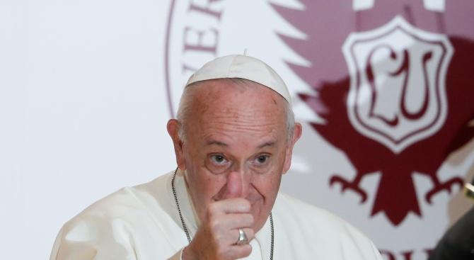 Тестът на папа Франциск за коронавируса е отрицателен