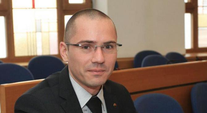 Джамбазки: Трябва да продължи да работи производството, търговията и транспортът