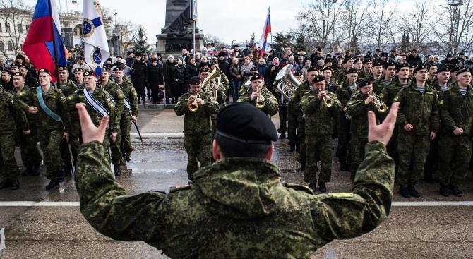 Руски военни строят болници за хора с коронавирус 24/7