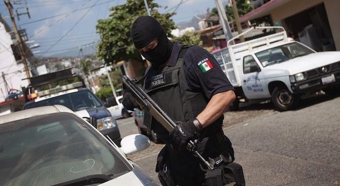 Мексиканци затвориха КПП на границата със САЩ заради Covid-19