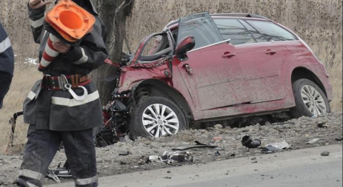 28-годишен шофьор катастрофира и уби пътник