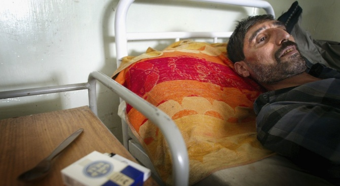 Над 300 иранци починаха, пили метанол срещу COVID-19