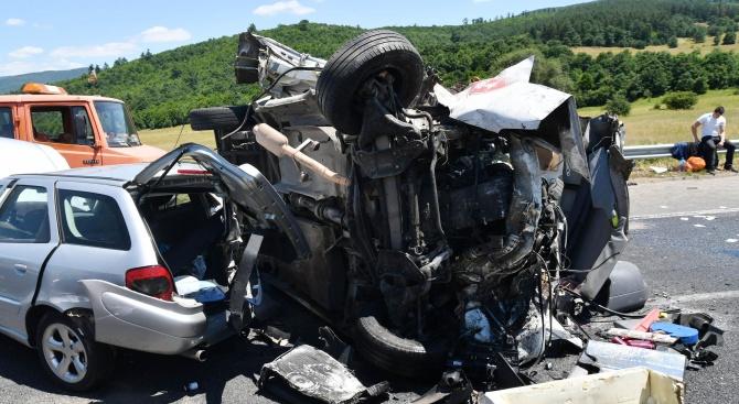 Верижна катастрофа в Пловдив, има ранен човек