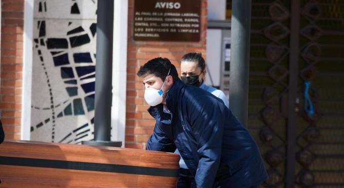 Мор в Испания: 832 жертви за 24 часа