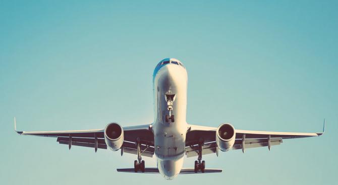 Катар еъруейз продължава да лети, но парите свършват