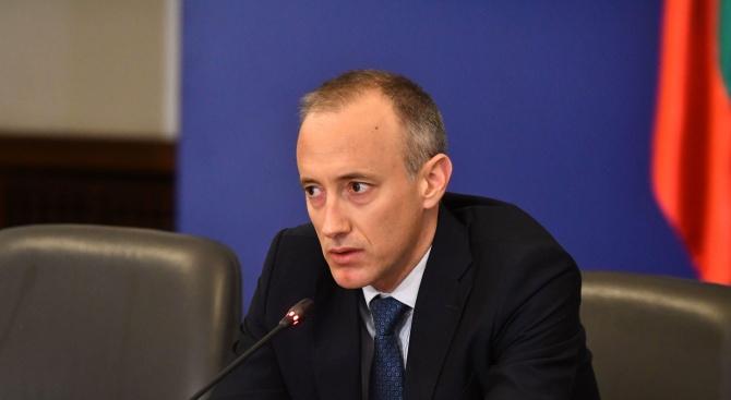 Красимир Вълчев: Близо 90% са се включили в дистанционното обучение, другите нямат и книги