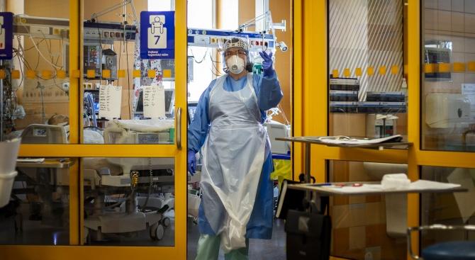 Лекари от бургаска болница публикуваха снимкав социалните мрежи, на която