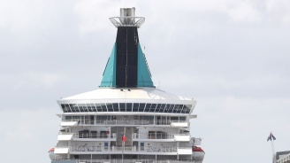 Кораб с починали от коронавирус хора е плавал край бреговете на Латинска Америка