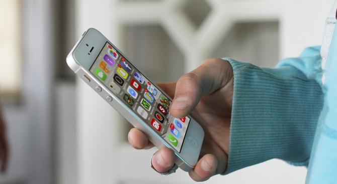 Правителството на Ирландия ще въведе доброволно приложение на смартфоните, с