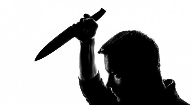 Мъж наръга друг при саморазправа в Симитли