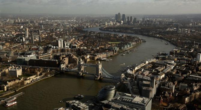 Великобритания назначи разузнавача от кариерата Кен Маккалъм за нов шеф