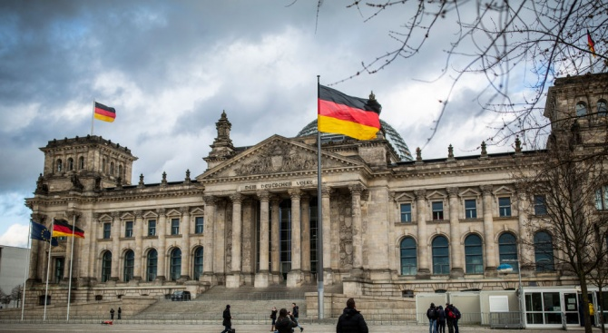 Германското правителство очаква културата и развлекателната индустрия да загубят близо