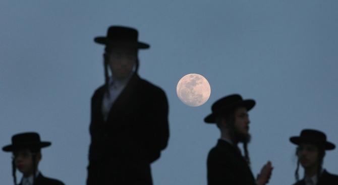 Властите в Израел са обезпокоени, че членове на ултраортодоксалните общности