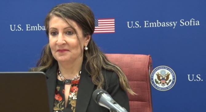Американският посланик Херо Мустафа направи виртуално обръщение към американските граждани