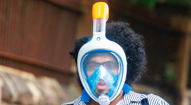 Изследователи в Европа преобразуват евтини шнорхел маски в респиратори, за