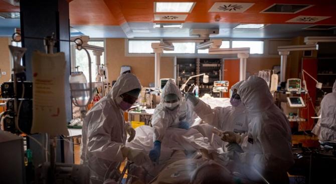 Вдигат заплатите на всички здравни работници в Сърбия с 10% от 1 април