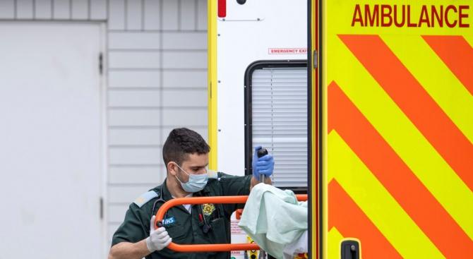 Рекорден брой починали за денонощие от коронавируса във Великобритания