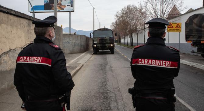 Италия навлиза в третата седмица на изолация, а от балконите