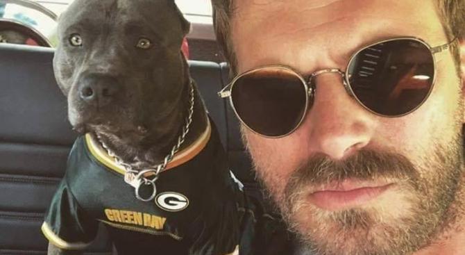 Турският актьор Къванч Татлъту е приет в болница със съмнения за коронавирус