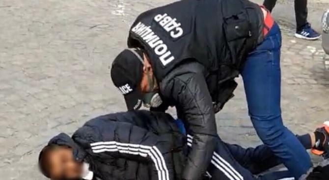 Арестуваха 8 души за търговия с кръв и кръвни съставки в София