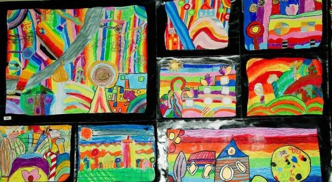 """Деца в Добрич пресъздават """"Смешното в училище"""" във виртуална изложба"""