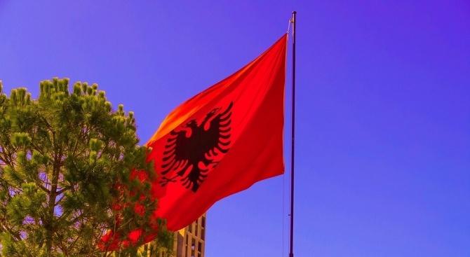 Албания продължава ограничителните мерки до края на епидемията от коронавирус