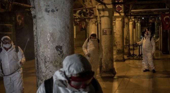 Броят на починалите заразени от новия коронавирус в Турция се