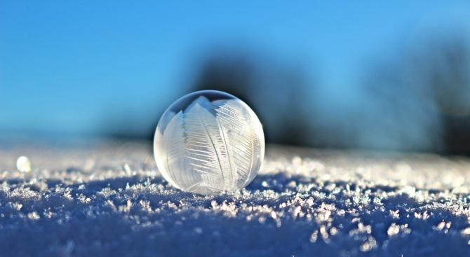 Снегът в Смолянско достигна 40 см, 12 села са без ток