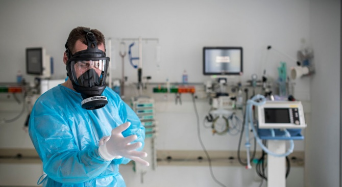 Южна Корея: Над 10 000 са вече заразените с COVID-19